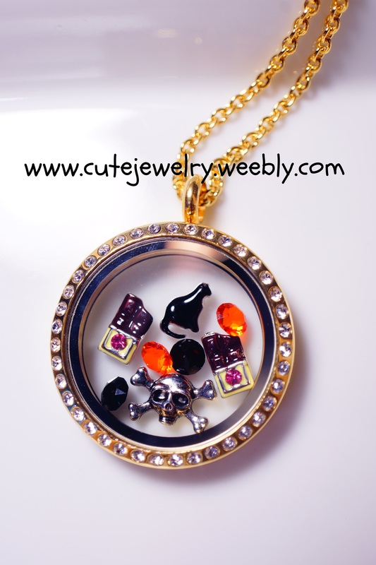Holiday Charms In Floating Glass Lockets Cute Jewelry